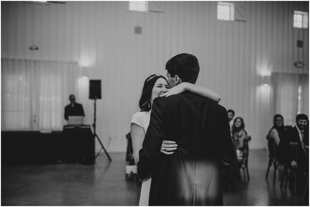 the-farmhouse-wedding-montgomery-texas-erin-nathan-houston-wedding-photographer-caitlyn-nikula-143.jpg