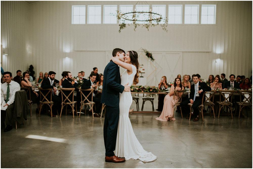 the-farmhouse-wedding-montgomery-texas-erin-nathan-houston-wedding-photographer-caitlyn-nikula-144.jpg