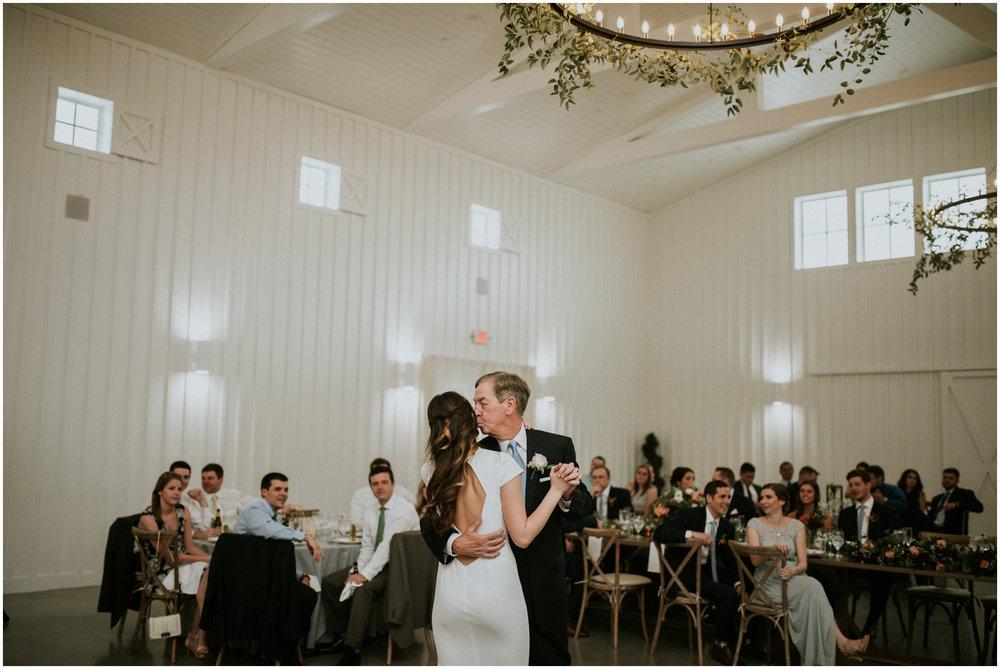 the-farmhouse-wedding-montgomery-texas-erin-nathan-houston-wedding-photographer-caitlyn-nikula-147.jpg