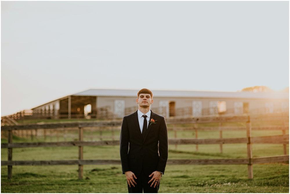 the-farmhouse-wedding-montgomery-texas-erin-nathan-houston-wedding-photographer-caitlyn-nikula-157.jpg