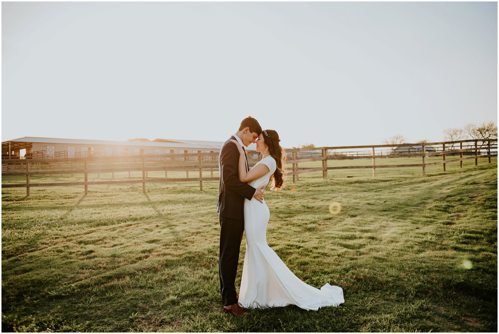 the-farmhouse-wedding-montgomery-texas-erin-nathan-houston-wedding-photographer-caitlyn-nikula-166.jpg