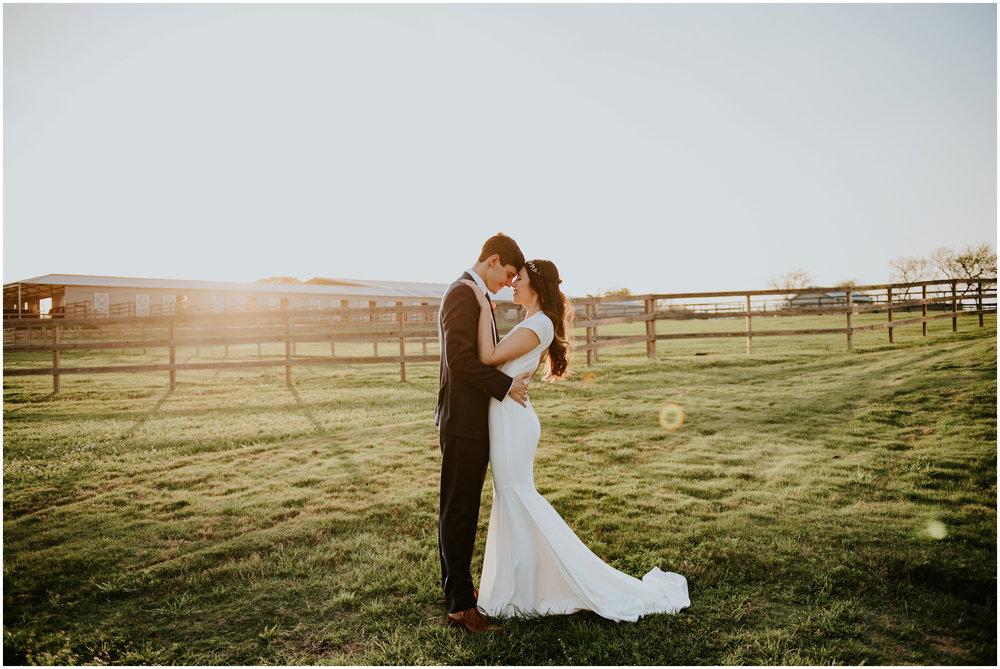 the-farmhouse-wedding-montgomery-texas-erin-nathan-houston-wedding-photographer-caitlyn-nikula-166.jpg