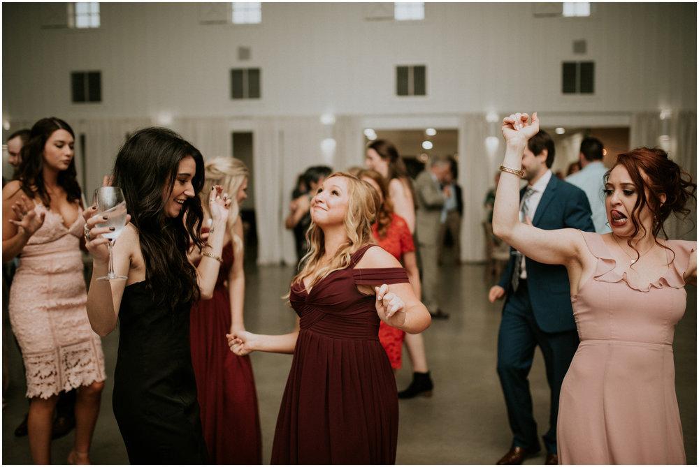 the-farmhouse-wedding-montgomery-texas-erin-nathan-houston-wedding-photographer-caitlyn-nikula-180.jpg