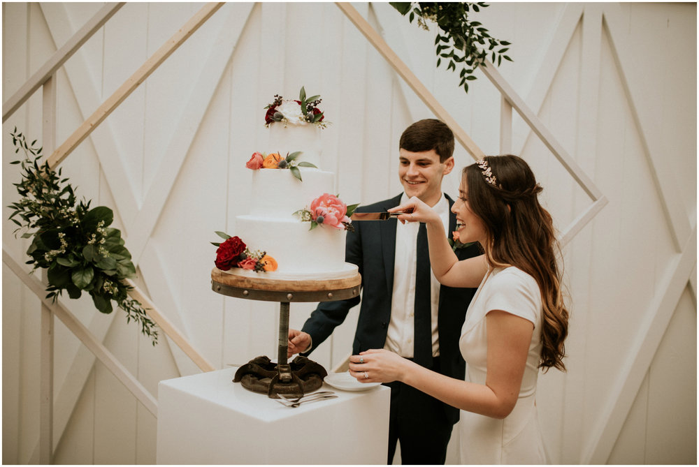 the-farmhouse-wedding-montgomery-texas-erin-nathan-houston-wedding-photographer-caitlyn-nikula-185.jpg