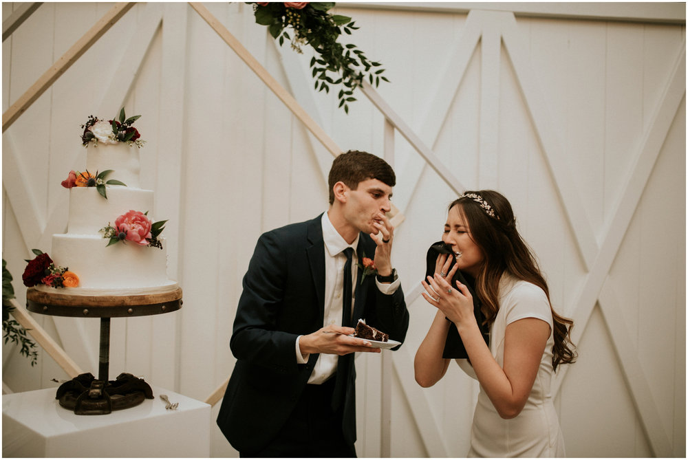 the-farmhouse-wedding-montgomery-texas-erin-nathan-houston-wedding-photographer-caitlyn-nikula-188.jpg