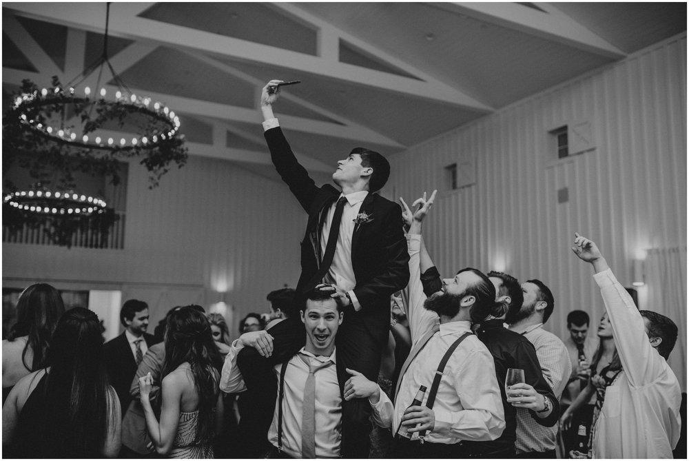 the-farmhouse-wedding-montgomery-texas-erin-nathan-houston-wedding-photographer-caitlyn-nikula-194.jpg