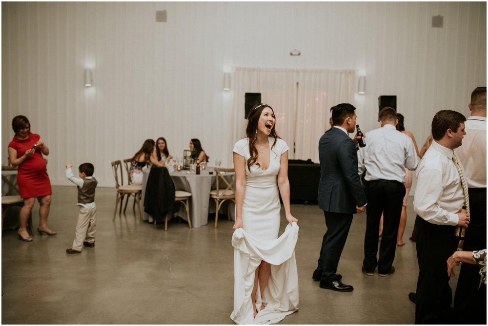 the-farmhouse-wedding-montgomery-texas-erin-nathan-houston-wedding-photographer-caitlyn-nikula-199.jpg