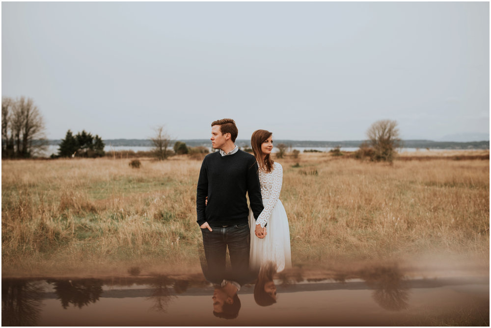 emily-and-matthew-seattle-wedding-photographer-discovery-park-engagement-session-004.jpg