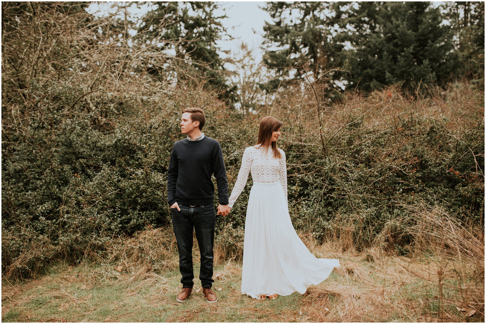 emily-and-matthew-seattle-wedding-photographer-discovery-park-engagement-session-019.jpg