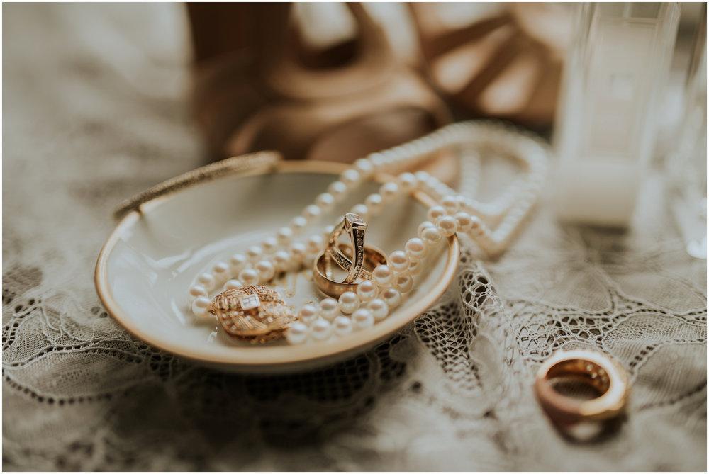 arctic-club-seattle-wedding-terri-and-steve-photographer-caitlyn-nikula-003.jpg