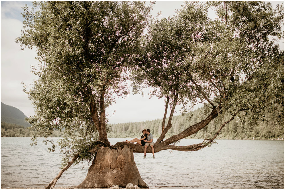 katie-nolan-rattlesnake-lake-engagement-session-seattle-wedding-photographer-011.jpg