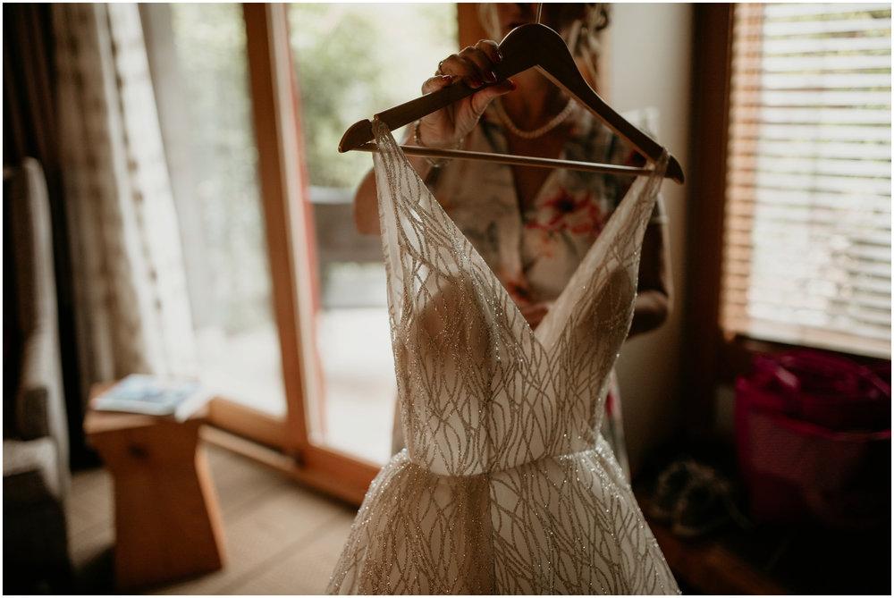 emily-matthew-delille-cellars-venue-seattle-wedding-photographer-018.jpg