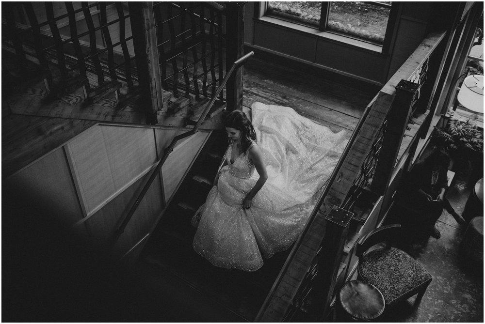 emily-matthew-delille-cellars-venue-seattle-wedding-photographer-027.jpg