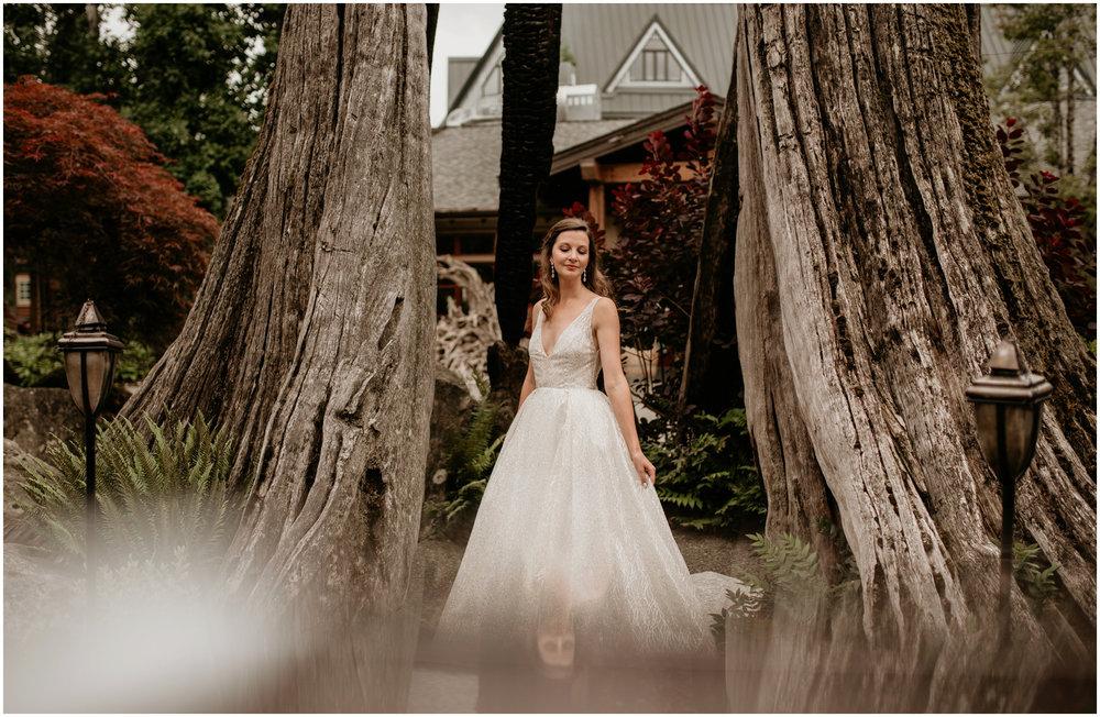 emily-matthew-delille-cellars-venue-seattle-wedding-photographer-031.jpg