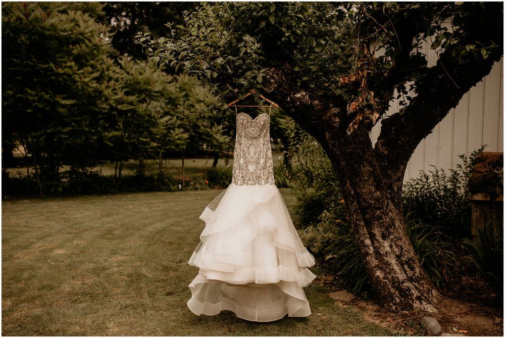alex-and-matthew-three-cs-farm-venue-seattle-wedding-photographer-001.jpg