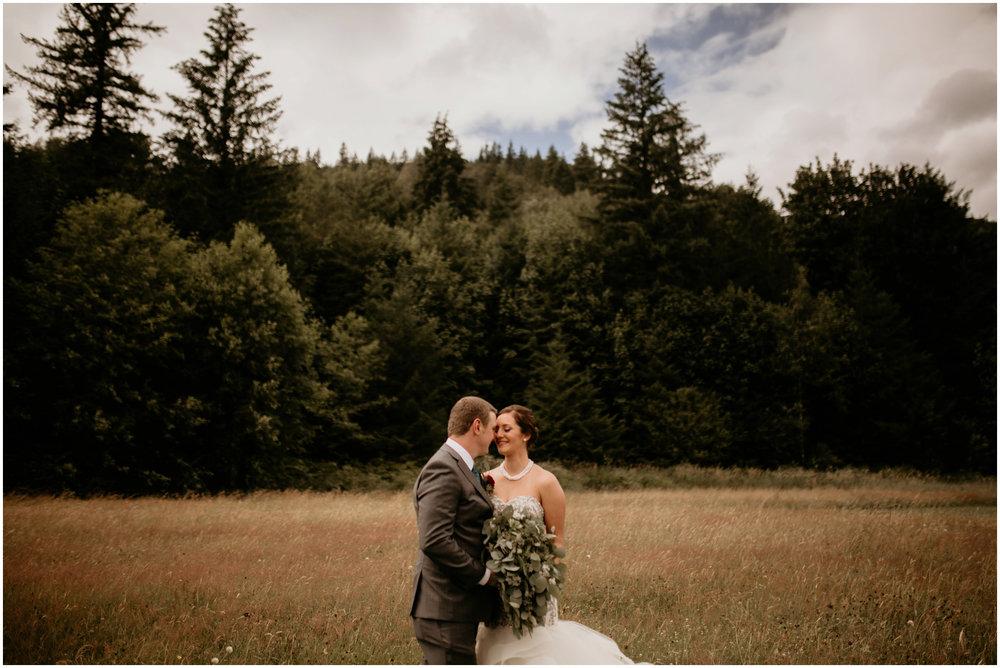 alex-and-matthew-three-cs-farm-venue-seattle-wedding-photographer-042.jpg