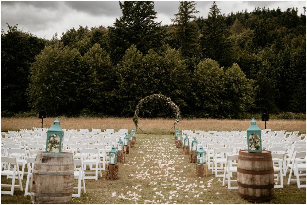 alex-and-matthew-three-cs-farm-venue-seattle-wedding-photographer-093.jpg