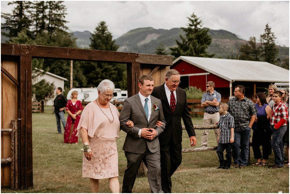 alex-and-matthew-three-cs-farm-venue-seattle-wedding-photographer-094.jpg