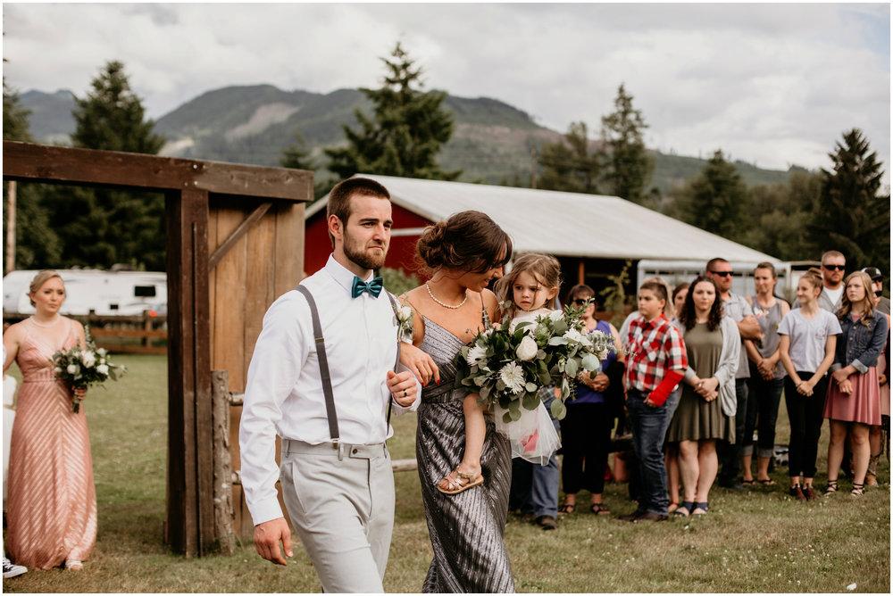 alex-and-matthew-three-cs-farm-venue-seattle-wedding-photographer-097.jpg