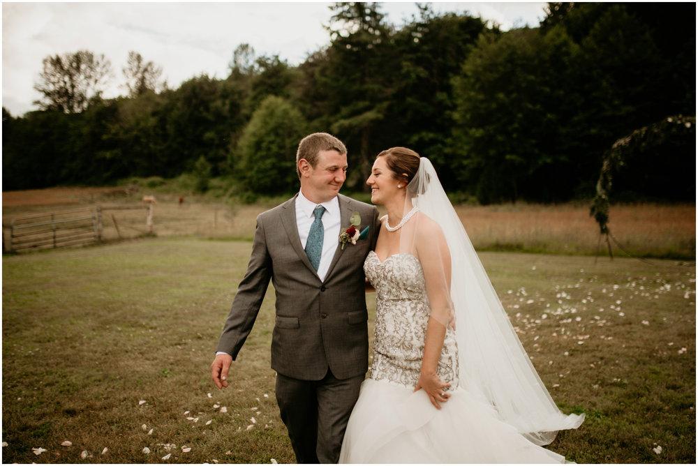 alex-and-matthew-three-cs-farm-venue-seattle-wedding-photographer-140.jpg
