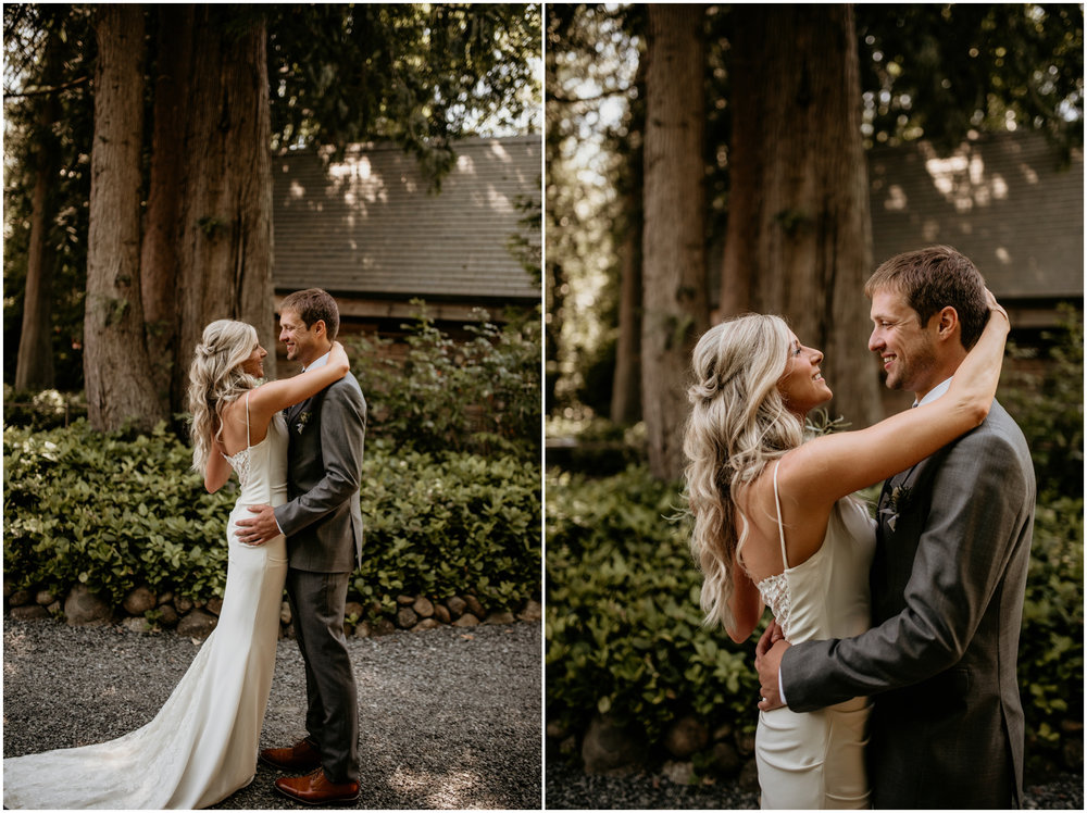alicia-and-andy-green-gates-at-flowing-lake-seattle-wedding-photographer-032.jpg