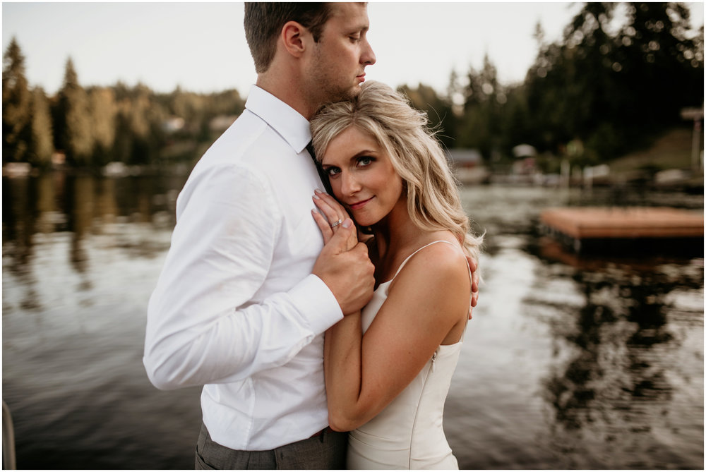 alicia-and-andy-green-gates-at-flowing-lake-seattle-wedding-photographer-151.jpg