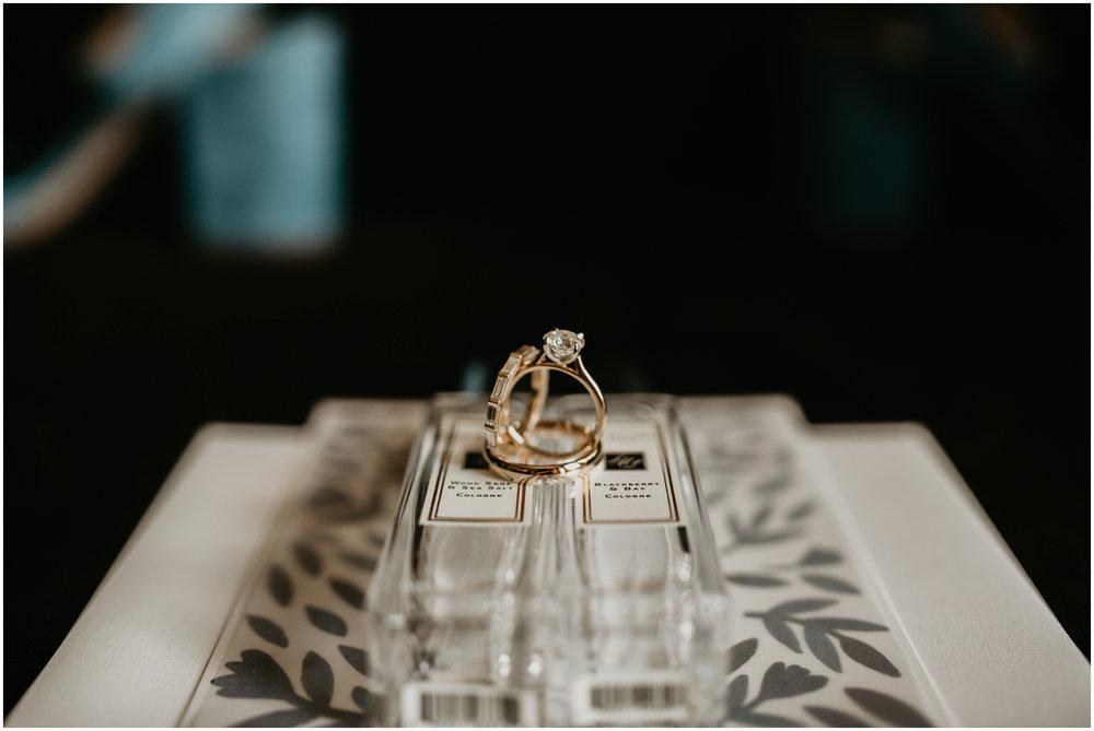 game-of-thrames-swifwater-cellars-seattle-wedding-photorapher-003.jpg
