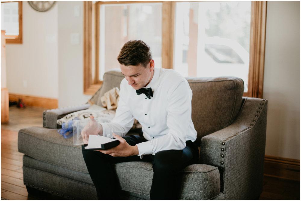 game-of-thrames-swifwater-cellars-seattle-wedding-photorapher-018.jpg