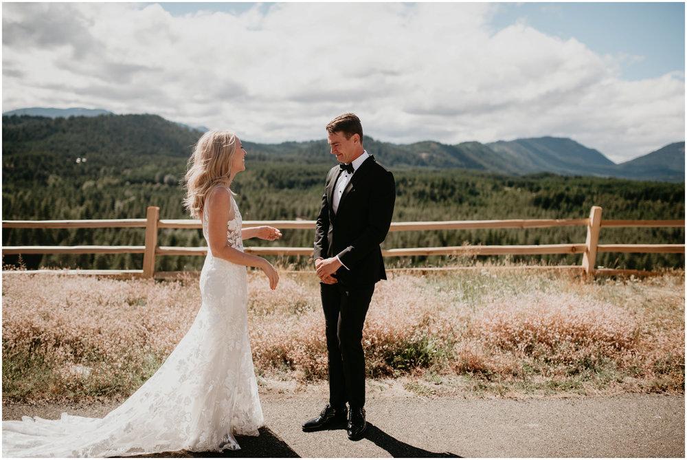 game-of-thrames-swifwater-cellars-seattle-wedding-photorapher-023.jpg