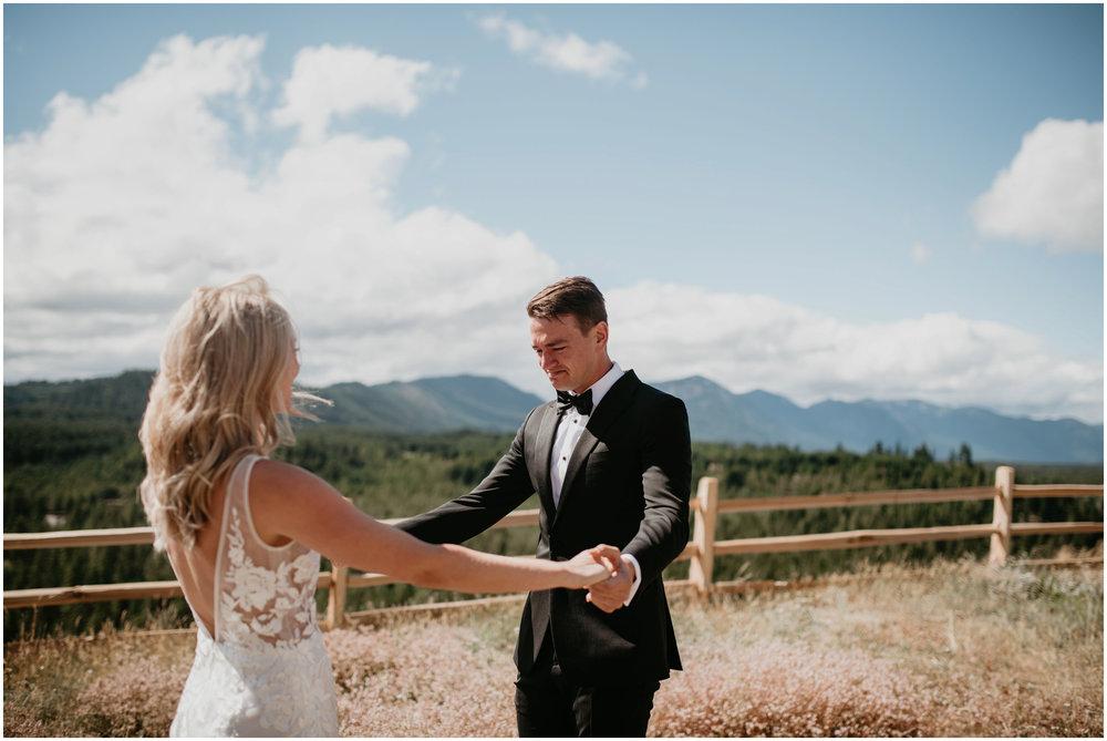 game-of-thrames-swifwater-cellars-seattle-wedding-photorapher-025.jpg