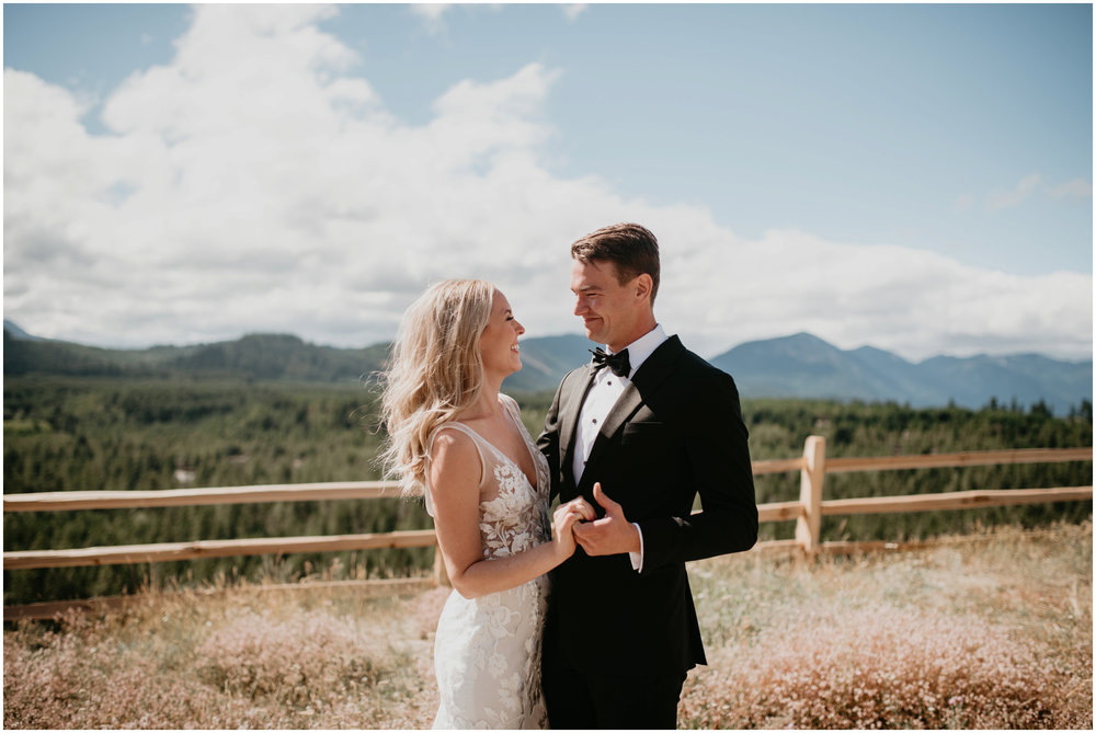 game-of-thrames-swifwater-cellars-seattle-wedding-photorapher-026.jpg