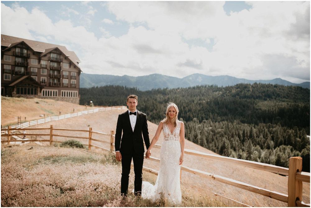 game-of-thrames-swifwater-cellars-seattle-wedding-photorapher-028.jpg