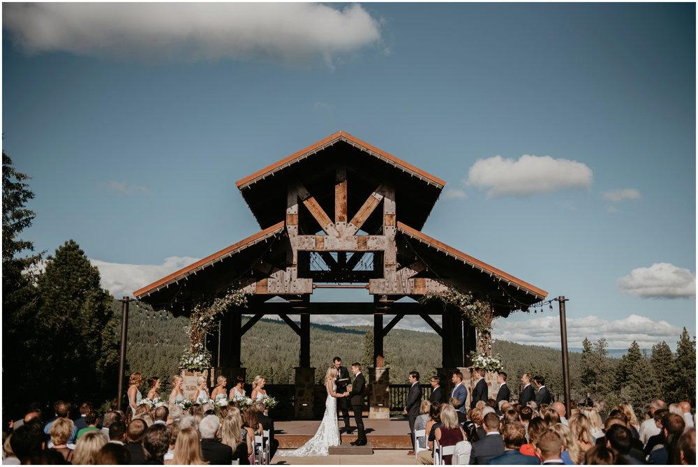 game-of-thrames-swifwater-cellars-seattle-wedding-photorapher-045.jpg
