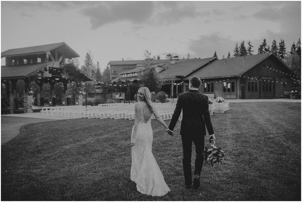 game-of-thrames-swifwater-cellars-seattle-wedding-photorapher-075.jpg