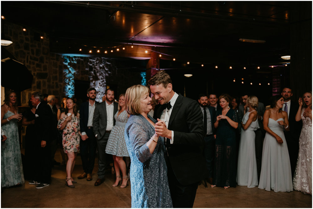 game-of-thrames-swifwater-cellars-seattle-wedding-photorapher-091.jpg