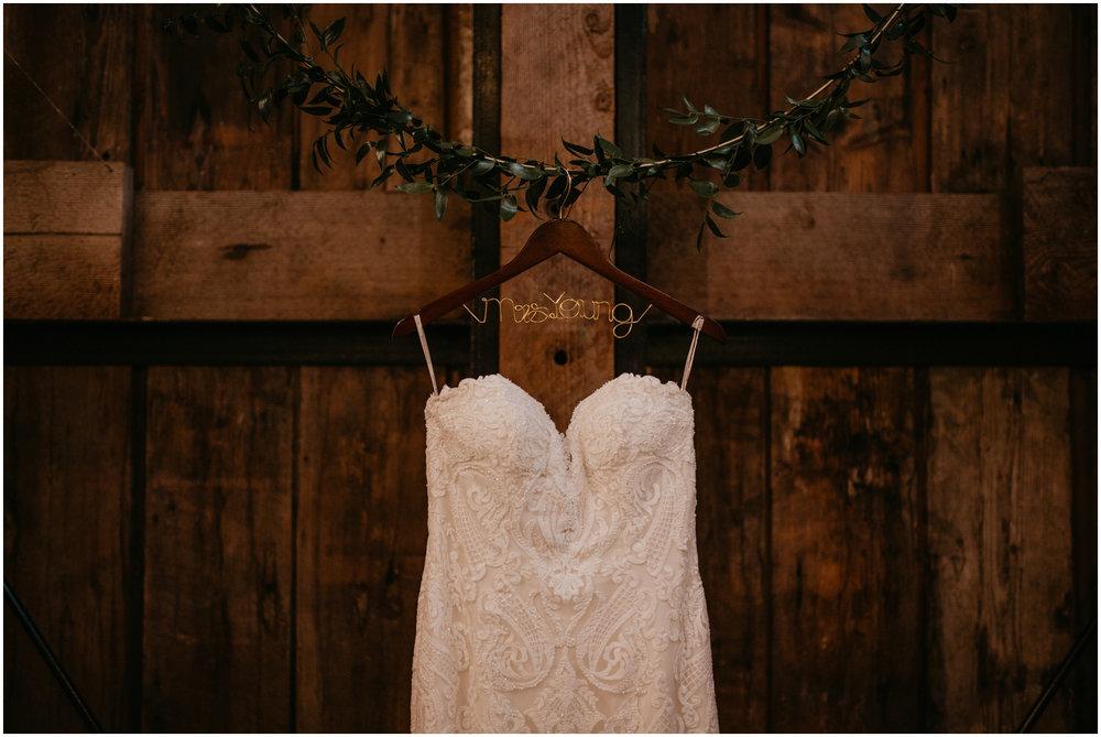 ashley-tj-the-pickering-barn-winter-wedding-seattle-photographer-001.jpg
