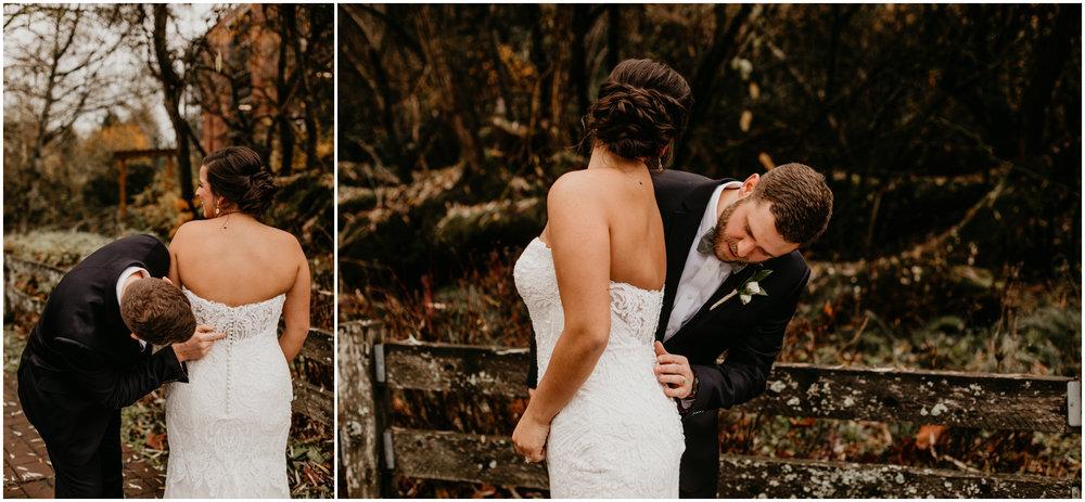 ashley-tj-the-pickering-barn-winter-wedding-seattle-photographer-023.jpg
