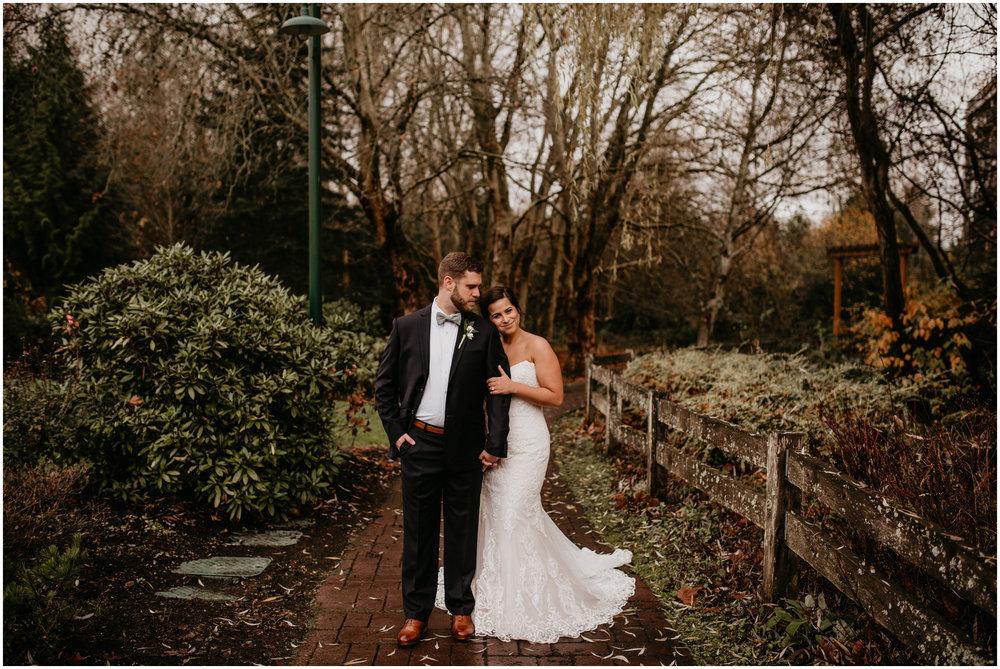 ashley-tj-the-pickering-barn-winter-wedding-seattle-photographer-032.jpg