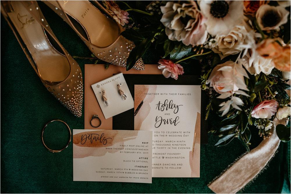 ashley-and-david-fremont-foundry-seattle-washington-wedding-photographer-005.jpg
