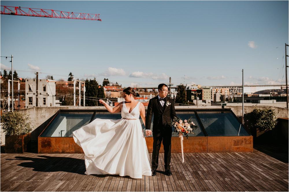 ashley-and-david-fremont-foundry-seattle-washington-wedding-photographer-041.jpg