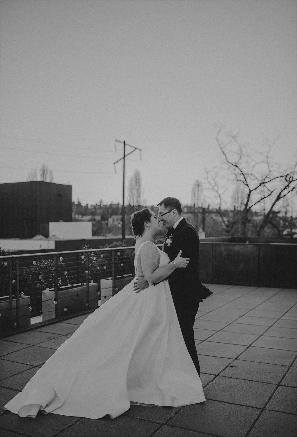 ashley-and-david-fremont-foundry-seattle-washington-wedding-photographer-096.jpg