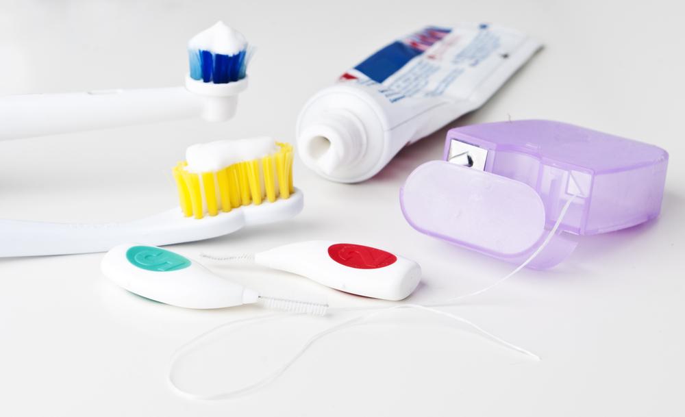 DentistHygieneiStock_000020677564Large.jpg