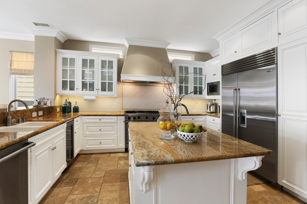 Kitchen3-MLS.jpg