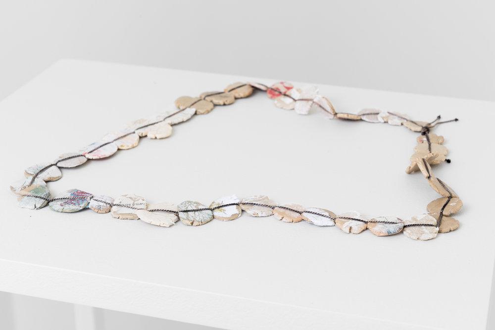 Karin Roy Andersson ,   A Constant Grinding V,  2018. Gummibase, mykemidler, søtningsmidler, smakstilsetninger, potetmel, perlesilke og sølv. Foto: Istvan Virag
