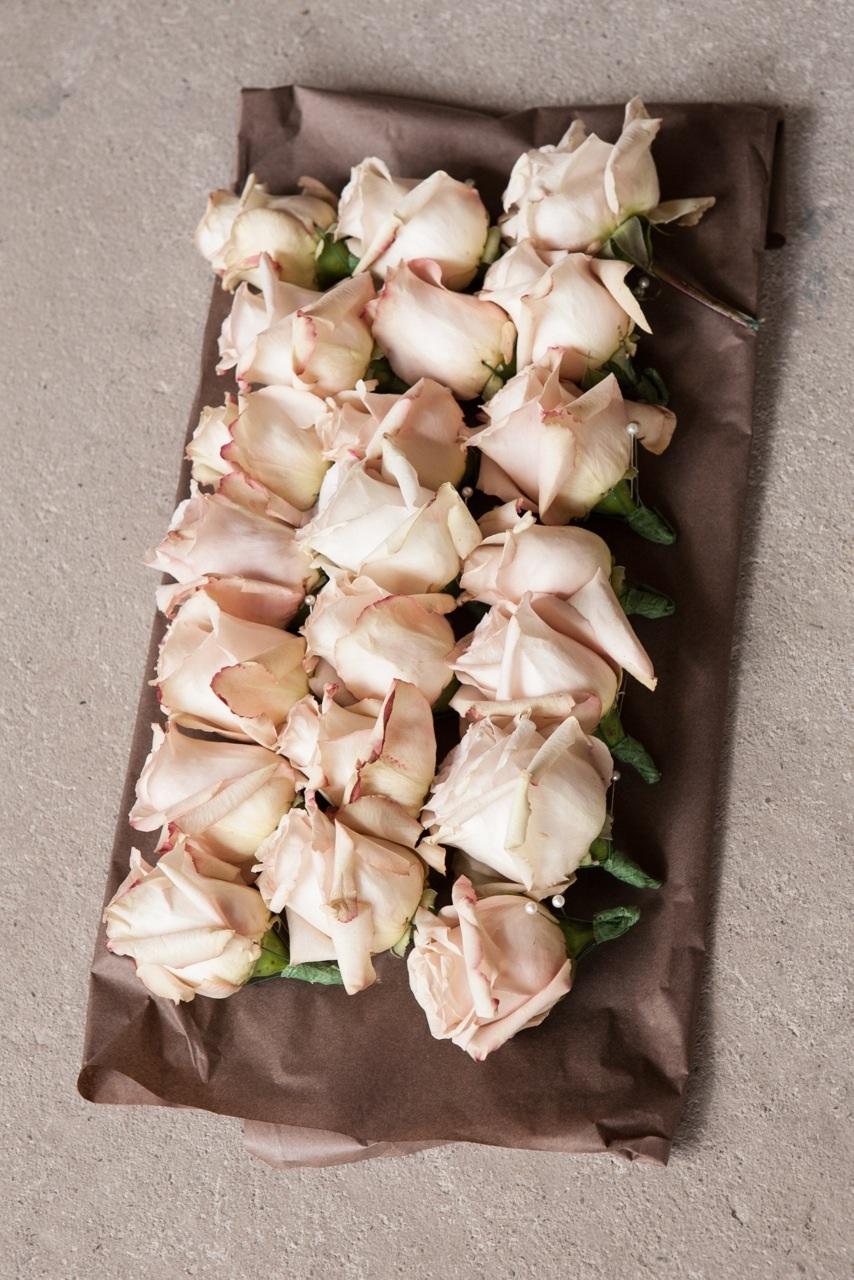 rose buttonholes.jpg