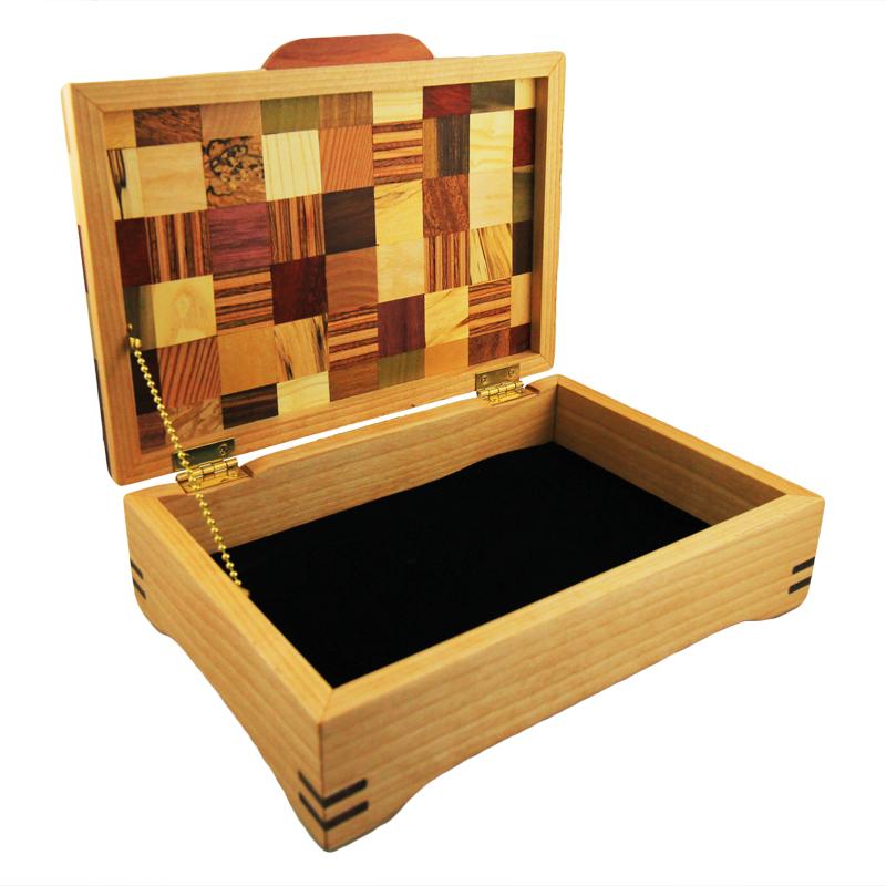 7026_wooden_box_small.jpg