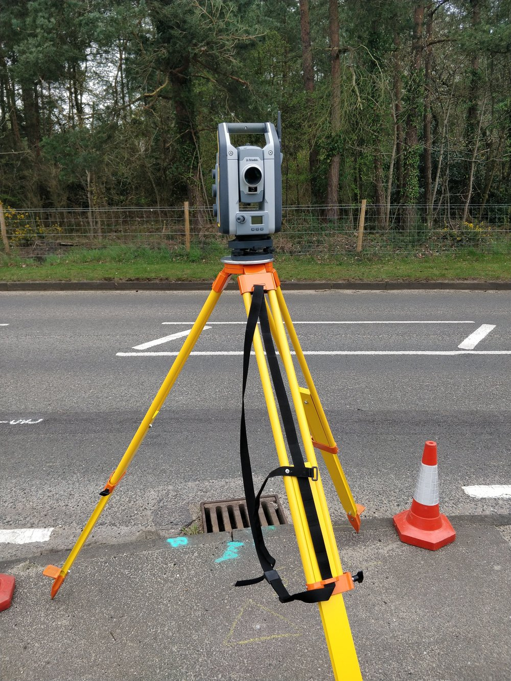 Topographic total station