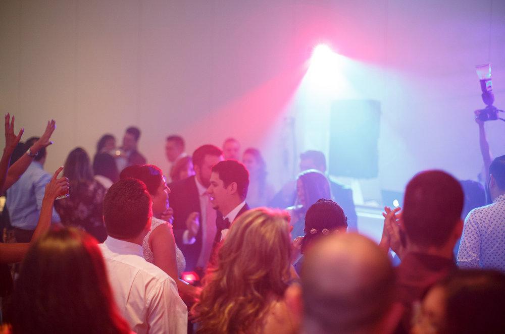 AWARD WINNING DJ SERVICES