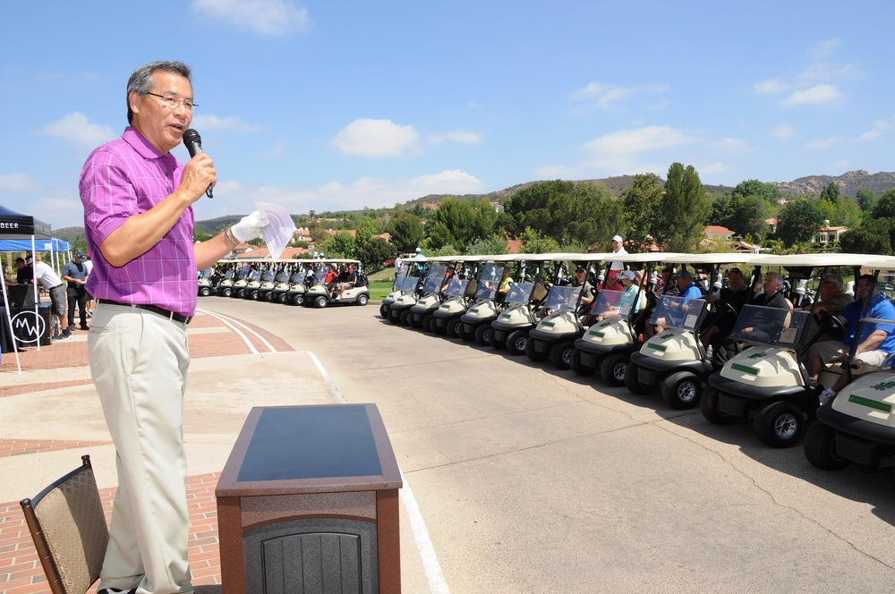 Al Lowe addresses the Golfers