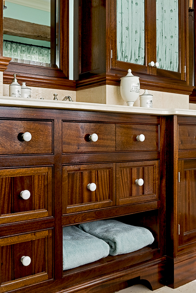 Master-bath-cabinet-detail-2-copy.jpg